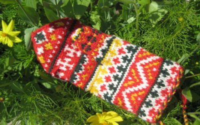 Saami Mittens and Norwegian Purl